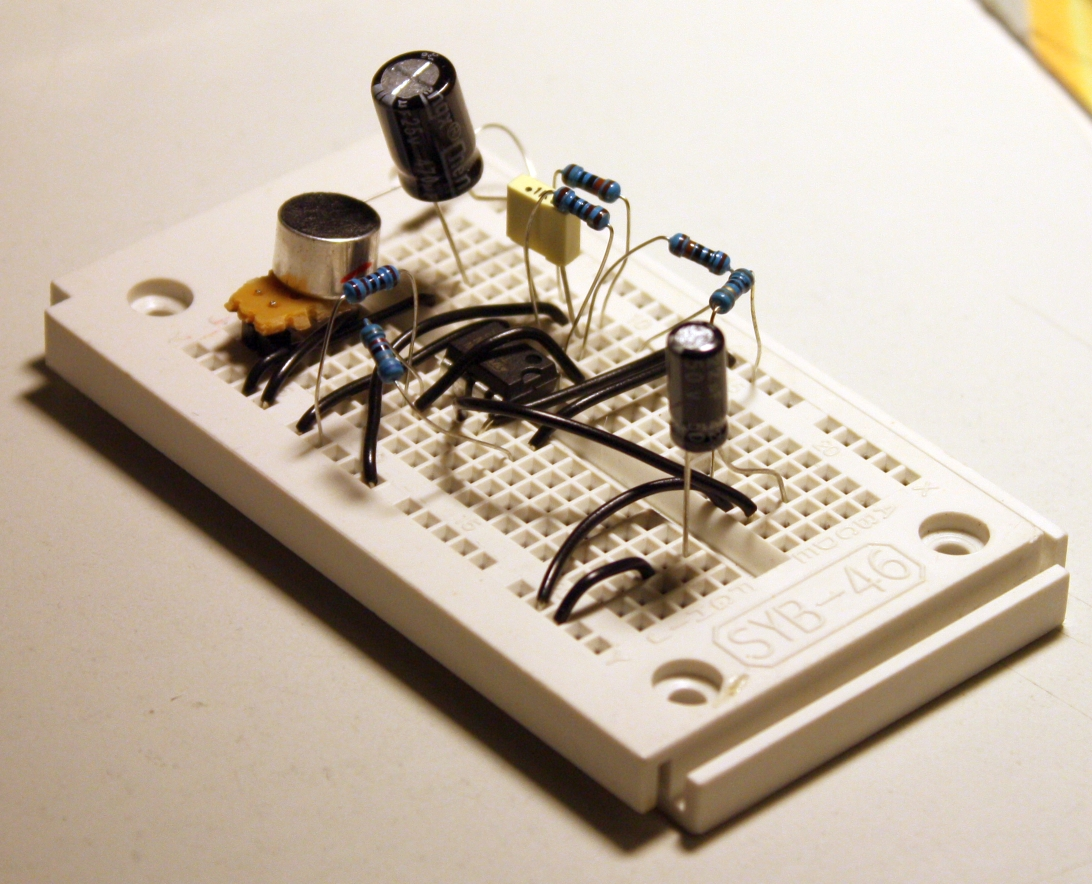 peak_sound_sensor_breadboard